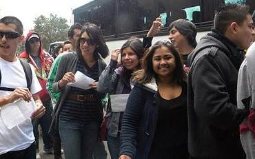 Puente students boarding a bus before University visit
